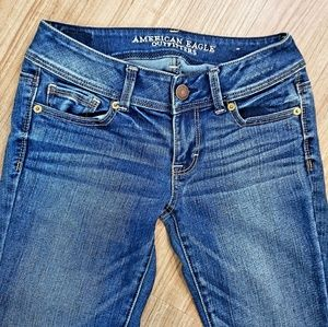 AEO AMERICAN EAGLE DARK BLUE JEANS BOOT CUT SIZE 2
